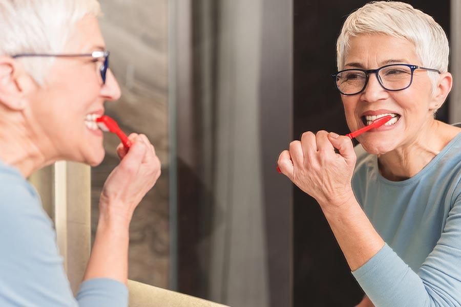 Limpieza de los implantes dentales