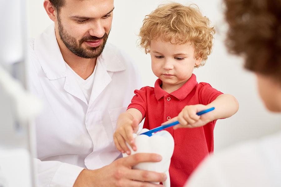 Hábitos dentales durante la infancia