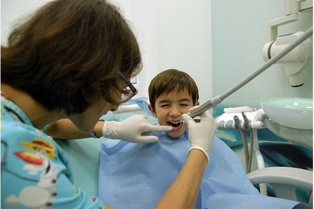 odontopediatría, dentistas para niños